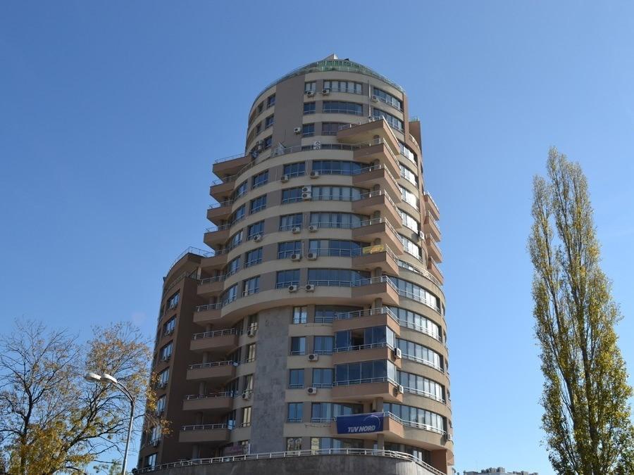 Адм. и жилищна сграда - Онлайн магазин за отопление, климатизация и вентилация - 5347